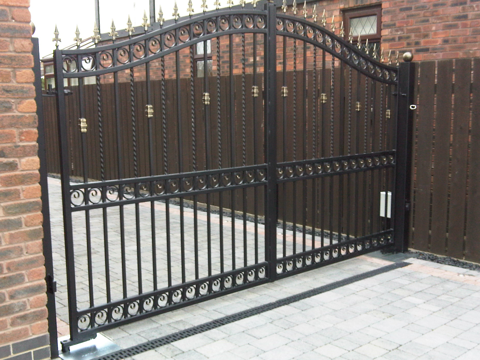 made to measure gates